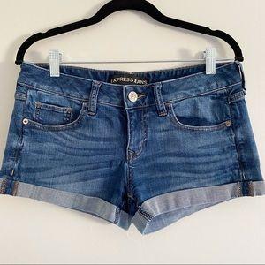 EXPRESS Dark Wash denim Cuffed Shorts, Size 4.